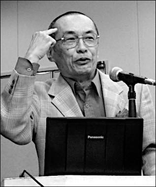 講演する菅澤さん